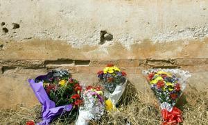 20100331194806-tapia-cementerio-de-granada.jpg