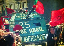 20120424222717-25-abril-1983-porto-by-henrique-matos-01.jpg