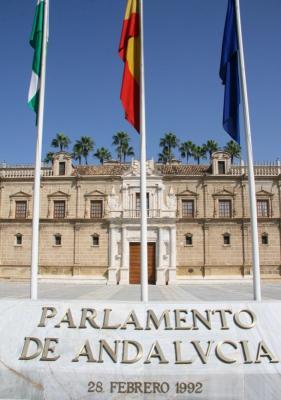 20120910201713-parlamento-andalucia.jpg